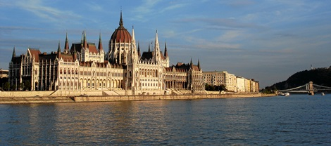 5-Reasons-for-Investing-in-Hungary.jpg